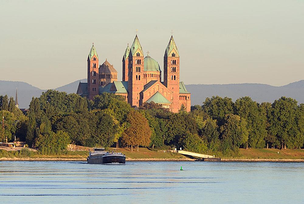 Speyer Kaiserdom und Rhein